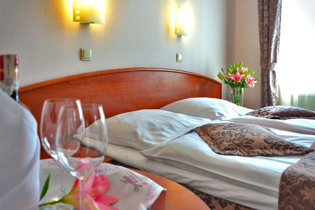 reserver hotel lit